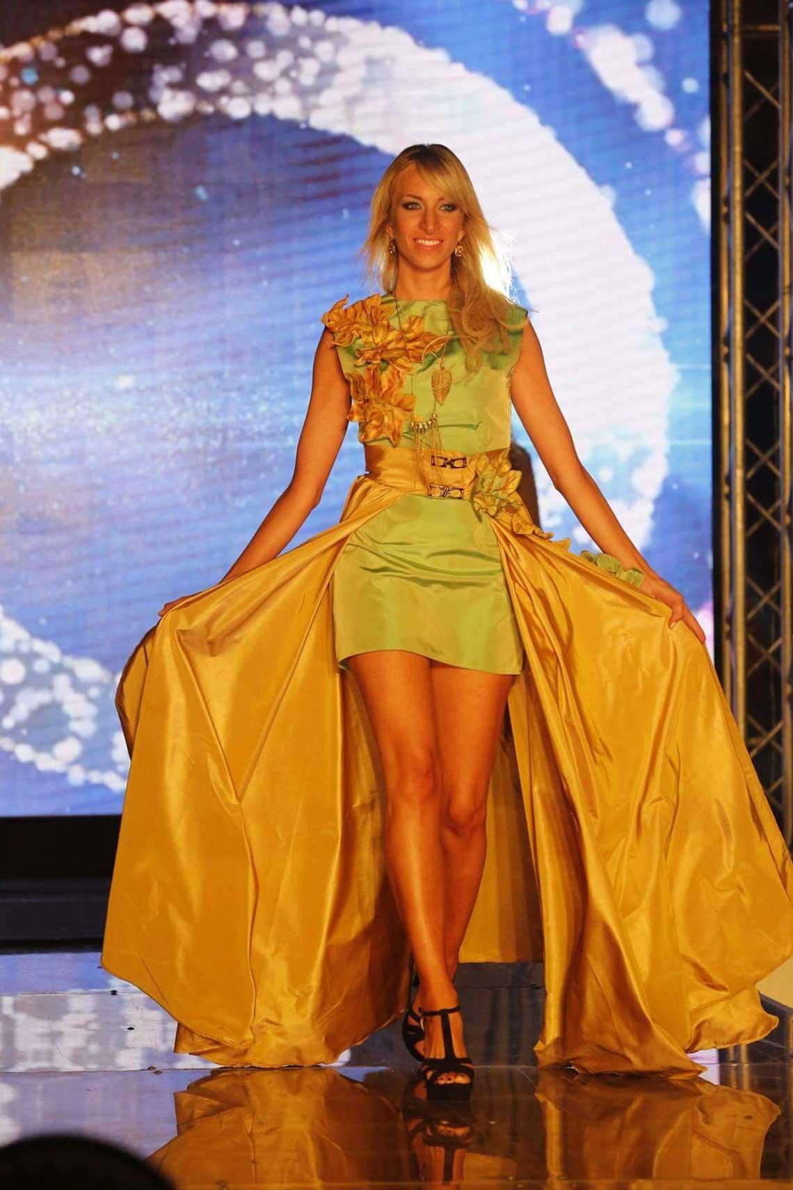 Ragazza Moda e Spettacolo - Ambra design